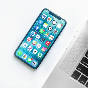 アプリ開発するならどっち? スクラッチ開発とツール利用のメリット・デメリット